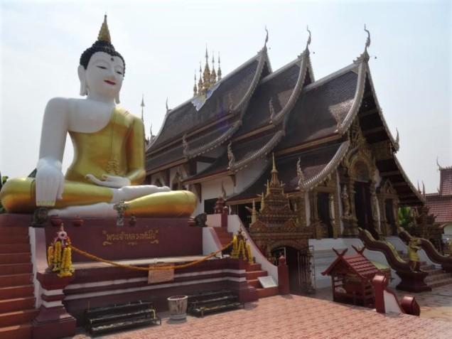 K800_Wat Rajamontean (4)
