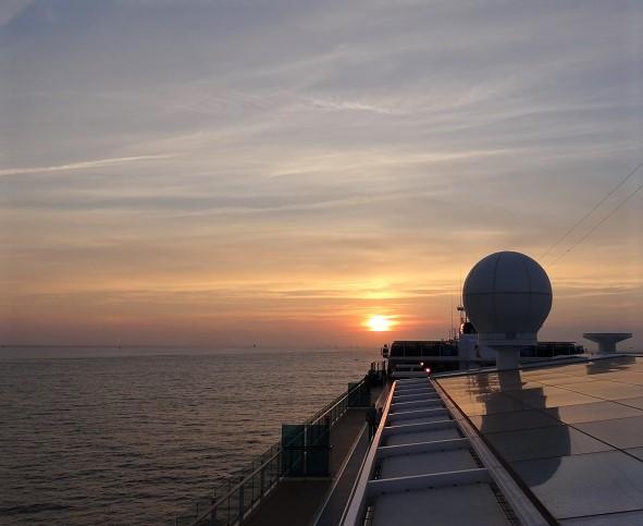 TUI Mein Schiff Sonnenuntergang