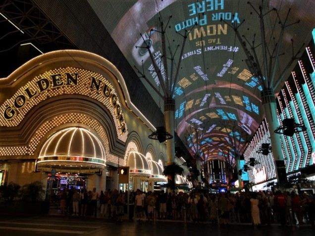 K1024_Fremont Street Experience 2